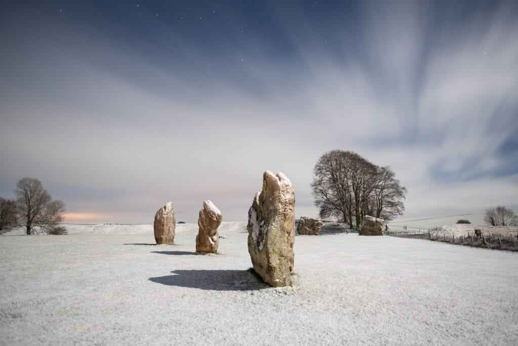 Avebury Snow